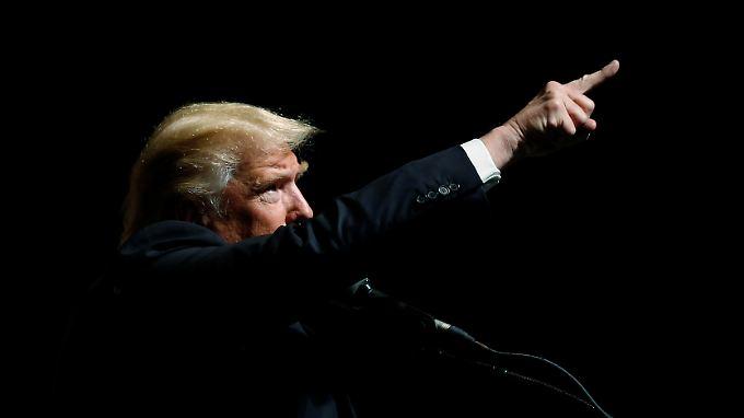 Donald Trump macht aus seinem Misstrauen gegenüber den Geheimdiensten keinen Hehl.