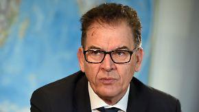 Wegen Terrorgefahr und Sozialmissbrauch: Müller fordert rückwirkende Kontrolle aller Flüchtlingen