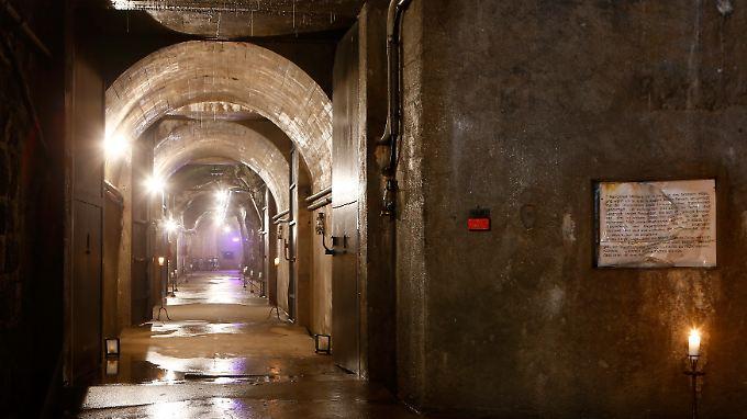 """Willkommen im Felsenhotel """"La Claustra"""" in der Schweiz. Das Vier-Sterne-Haus war einst ein Bunker."""