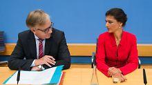 Sahra Wagenknecht und Dietmar Bartsch attackieren die Regierung scharf.