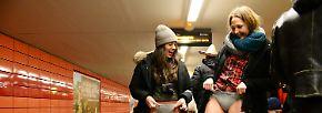 """""""No Pants Subway Ride""""-Tag: Einfach mal unten ohne U-Bahn fahren"""