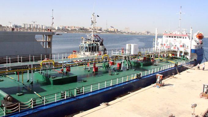 Öltanker im Hafen der libyschen Hauptstadt Tripolis.