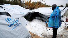 Evakuierung in Griechenland: Kälte bringt Flüchtlinge in Lebensgefahr