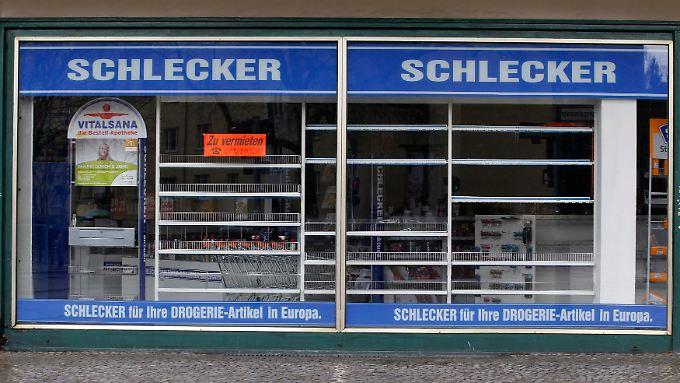 Leerstehende Schlecker-Filiale: Fünf Klagen gegen illegale Preisabsprachen hat der Insolvenzverwalter eingereicht.