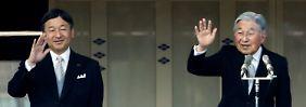 Kaiser Akihito will abdanken. Sein Sohn Naruhito soll seinem Vater auf den Chrysanthemen-Thron folgen.