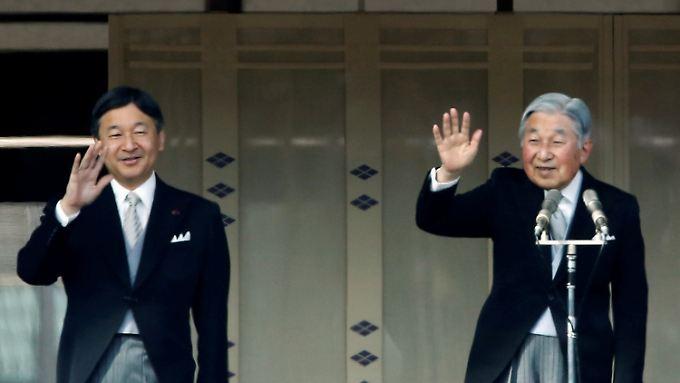 Kaiser Akihito will abdanken. Sein Sohn Naruhito soll seinem Vater auf dem Chrysanthemen-Thron folgen.