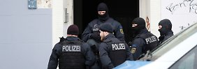 Großeinsatz in Leipzig: Hunderte Polizisten durchsuchen Gebäude