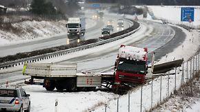 """Sturmböen bis zu 120 km/h: """"Egon"""" sorgt mit Schnee und Sturm für Verkehrschaos"""