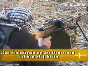 Vom US-amerikanischen Intel-Center 2009 veröffentlichte Screenshots zeigen Ausschnitte aus den Propaganda-Videos, mit denen Al-Kaida und die afghanischen Taliban sich vor der Bundestagswahl im Internet zu Wort gemeldet haben.