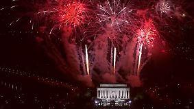 Mit Feuerwerk und Marschmusik: Trump lässt sich am Vorabend der Vereidigung pompös feiern