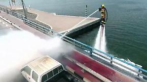 """Löscheinsatz wie im Actionfilm: Dubai stattet Feuerwehr mit """"Raketenrucksäcken"""" aus"""