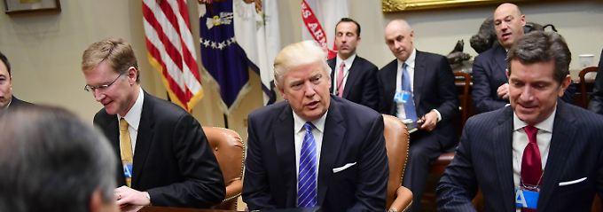 Ausstieg aus TTP-Abkommen: Trump schwört die Wirtschaftsbosse ein