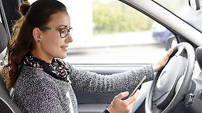 Unaufmerksamkeit am Steuer: Gros der Unfälle geht auf Ablenkung durch Handy zurück