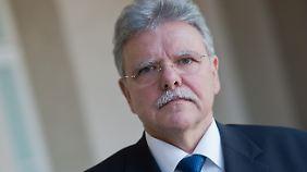 Oskar Niedermayer ist Parteienforscher und Professor für Politikwissenschaften an der Freien Universität Berlin.