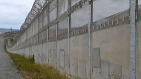 Ankündigung via Twitter: Trump will Mauerbau zu Mexiko anordnen