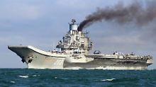 """Der russische Flugzeugträger """"Admiral Kusnezow"""" im Oktober 2016 auf dem Weg zum Mittelmeer."""