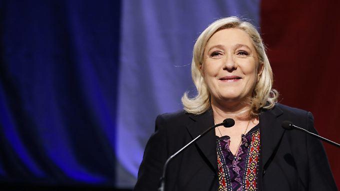Marine Le Pen ist dem Élysée-Palast an diesem Wochenende einen Schritt näher gekommen - ohne etwas dafür zu tun.
