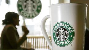 Deutliche Antwort auf Trump: Starbucks will 10.000 Flüchtlingen Job anbieten