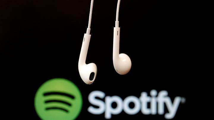Der schwedische Musikstreaming-Dienst Spotify bekam 2016 rund 900 Millionen Euro von Investoren.