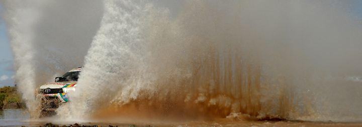 A bigger splash: Der Bolivianer Alberto Rodrigo Gutierrez auf der achten Etappe der Rallye Dakar.