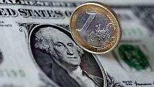 Der Euro notiert zeitweise klar über 1,09 US-Dollar.