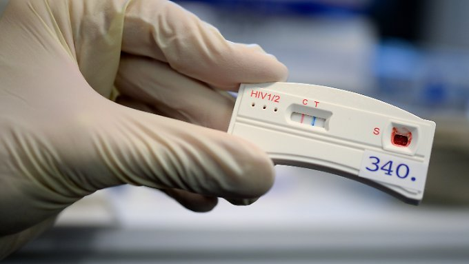 Der Mann machte trotz der Bitte seiner Freundin nur einen Gesundheitscheck statt eines HIV-Tests.