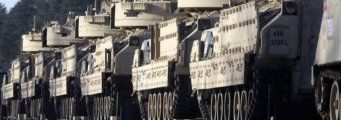 US-Kampfpanzer kommen in Lettland an.