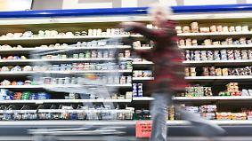 n-tv Ratgeber: Discounter oder Supermarkt: Wo sind Markenprodukte günstiger?