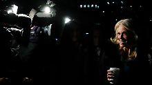 """Ein Preis für Trump-Beraterin: """"Alternative Fakten"""" ist Unwort des Jahres"""