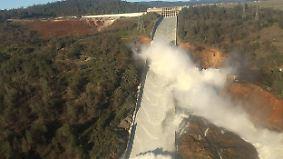 Evakuierung der Gebiete um Oroville: Höchster Staudamm der USA droht zu brechen