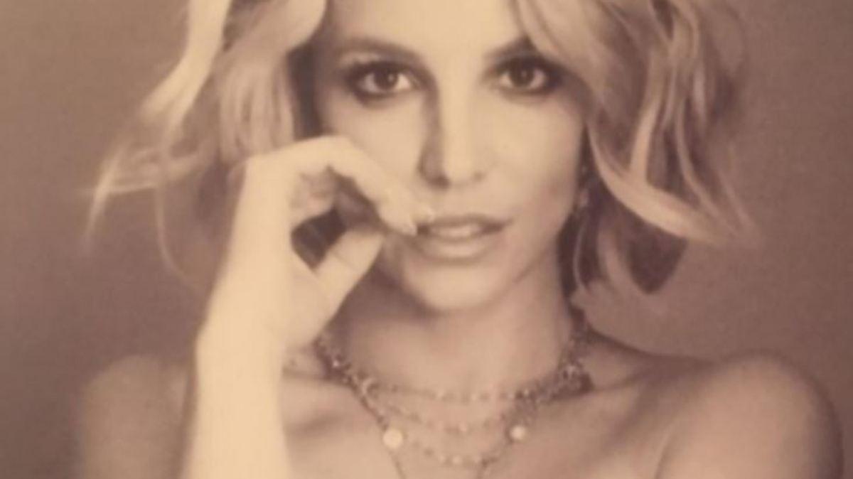 Britney Spears nackt, Oben ohne Bilder, Playboy Fotos, Sex