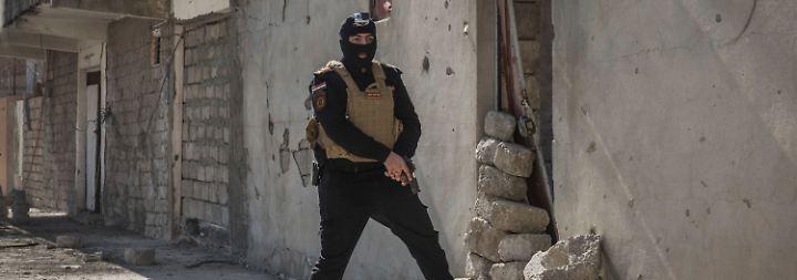 Viele Dschihadisten könnten sich aber auch noch in Gebäuden aufhalten.