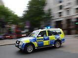Fünf Verletzte: Auto fährt in London in Menschengruppe