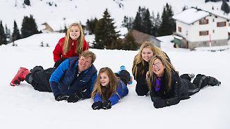 Promi-News des Tages: Niederländische Königsfamilie vergnügt sich im Schnee