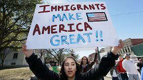 """""""Jeder kann jederzeit abgeschoben werden"""": Migranten in den USA leben in ständiger Angst"""