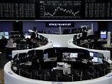 Gerüchte belasten Deutsche Bank: Dax rettet die 12.000 ins Wochenende
