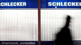 Anton Schlecker soll sein Vermögen auf illegale Weise vor der Pleite vor dem Zugriff der Gläubiger geschützt und Millionen beiseite geschafft haben.
