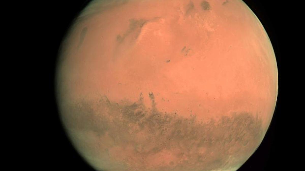 Meterdicke Eisadern durchziehen Mars