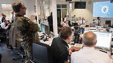 Scharfe Kritik der Opposition: Militär und Polizei üben für Terrorfall