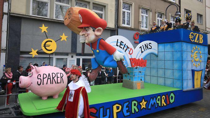 Mario Draghi und die Inflation: Ifo-Präsident: 2017 wird schlechtes Jahr für deutsche Sparer