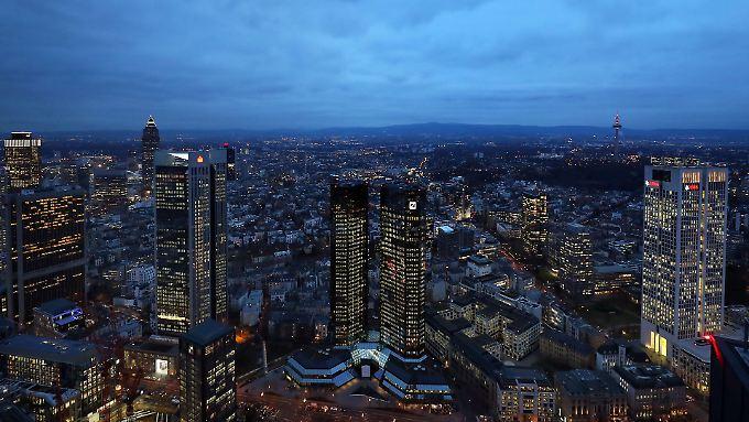 Ein Symbol des Frankfurter Finanzplatzes: Die Zwillingstürme der Deutschen Bank.