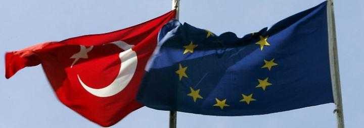 Eklat zwischen Niederlande und Türkei: Deutsche Politiker setzen auf verbale Deeskalation