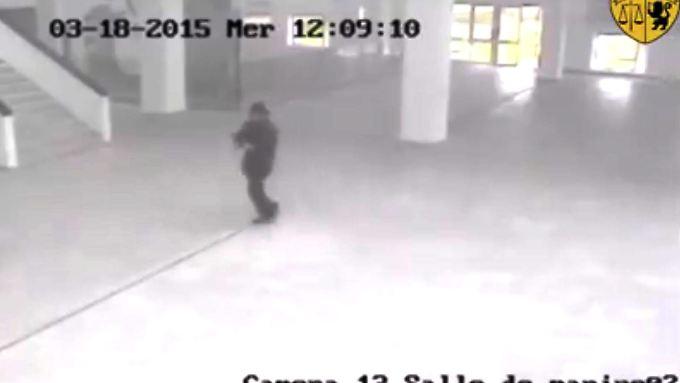 März 2015: Ein Foto eines Terroristen aufgenommen von einer Überwachungskamera im Bardo-Museum in Tunis.