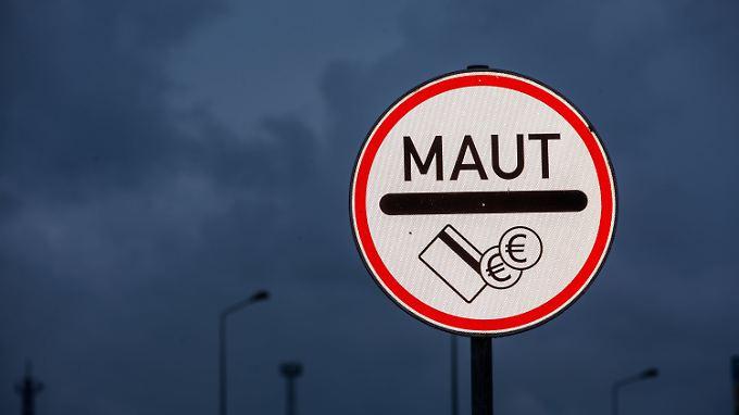 2013 wurde die deutsche Pkw-Maut in den Koalitionsvertrag geschrieben, zwei Jahre später beschlossen - seitdem ist nicht viel passiert.
