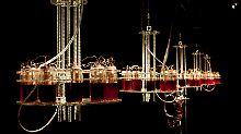 Saft aus der Vene: Künstler spielt Blut-Synthesizer