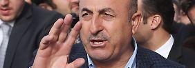 Der türkische Außenminister Mevlüt Cavusoglu warnt vor Religionskriegen in Europa.