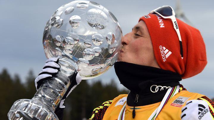 Eric Frenzel krönte sich zum fünften Mal zum Gesamtweltcupsieger - und das in Folge.
