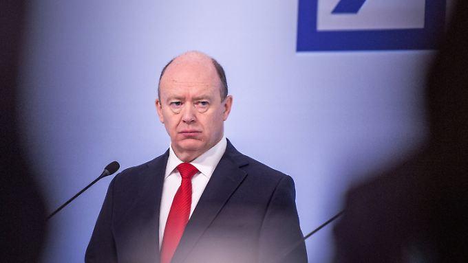 Dem Chef der Deutschen Bank, John Cryan, ist nicht zum Lachen zumute.