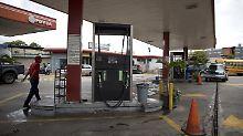 An vielen Tankstellen des staatlichen Ölkonzerns PDVSA gibt es derzeit nichts zu holen.