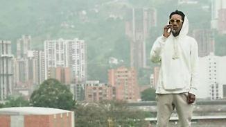 Promi-News des Tages: Wiz Khalifa kifft am Grab von Drogenboss